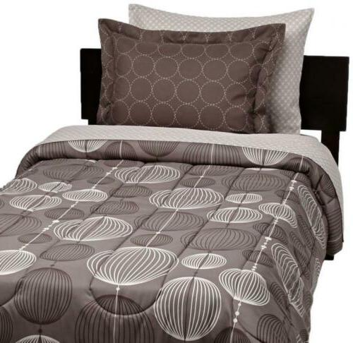 AmazonBasics Bed-In-A-Bag Comforter Twin/Twin XL, Industrial